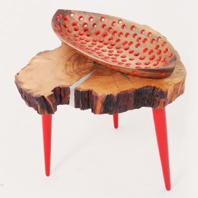 Čerešňový konferečný stolík cínovan - nohy upravené na červený vysoký lesk