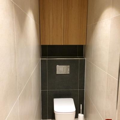 Dubová wc skrinka