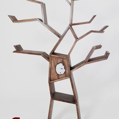 Masívna orechová knižnica v tvare stromu s achátom detail