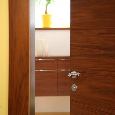 Orechové dyhovné interiérové dvere