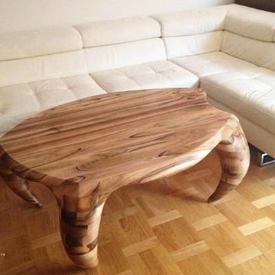 Orechový konferečný stolík