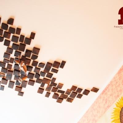 Orechový stropný dekoračný obklad