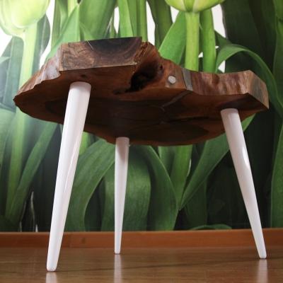 Konferenčný stolík - zelené nohy