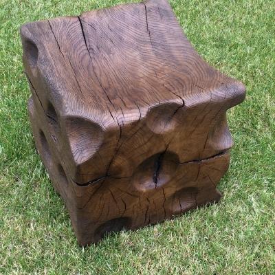 Dubové kartáčovane masívne taburetky - stolčeky