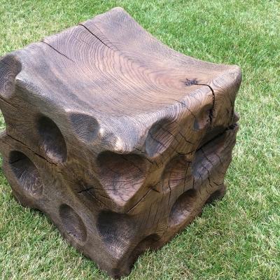 Dubové kartáčovane masívne taburetky - stolčeky na sedenie