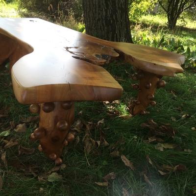 čerešňový konferenčný stolík