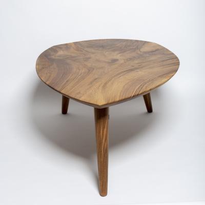 konferečný stolík orech tri nohy