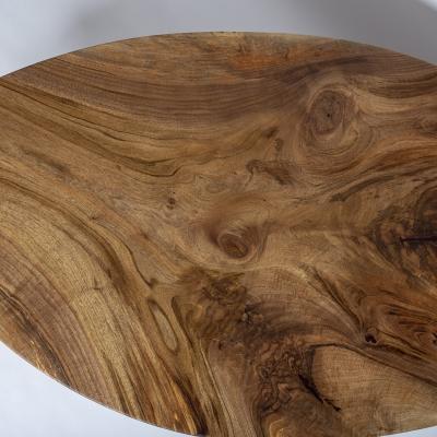 masívny orechový konferenčný stolík z orechového dreva
