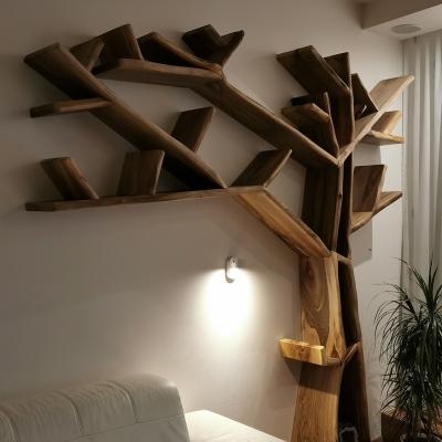 knihovna z orechového dreva - strom